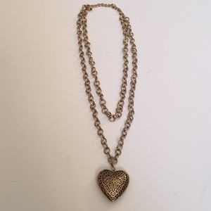 Beautiful Gold Tone Heart Necklace 20""